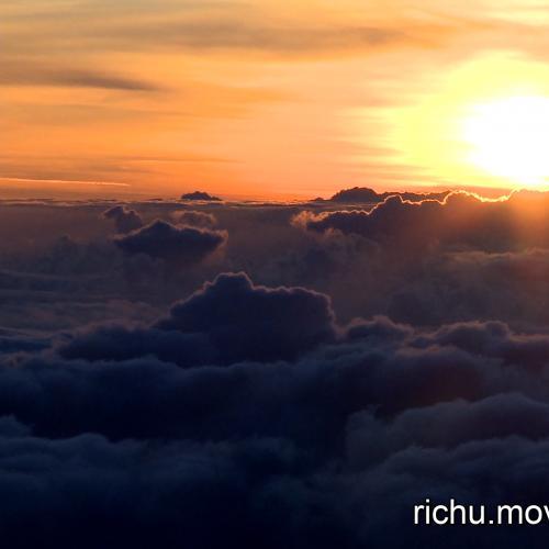 非常大气的云海日出翻滚积极正能量视频