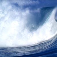 深蓝广阔的大海大浪击打视频